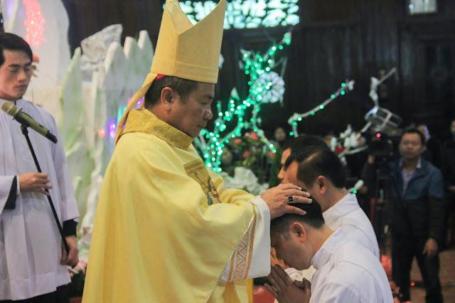 Lễ truyền chức Phó tế và Linh mục tại Giáo phận Lạng Sơn Cao Bằng 27.12.2017 - Ảnh minh hoạ 125