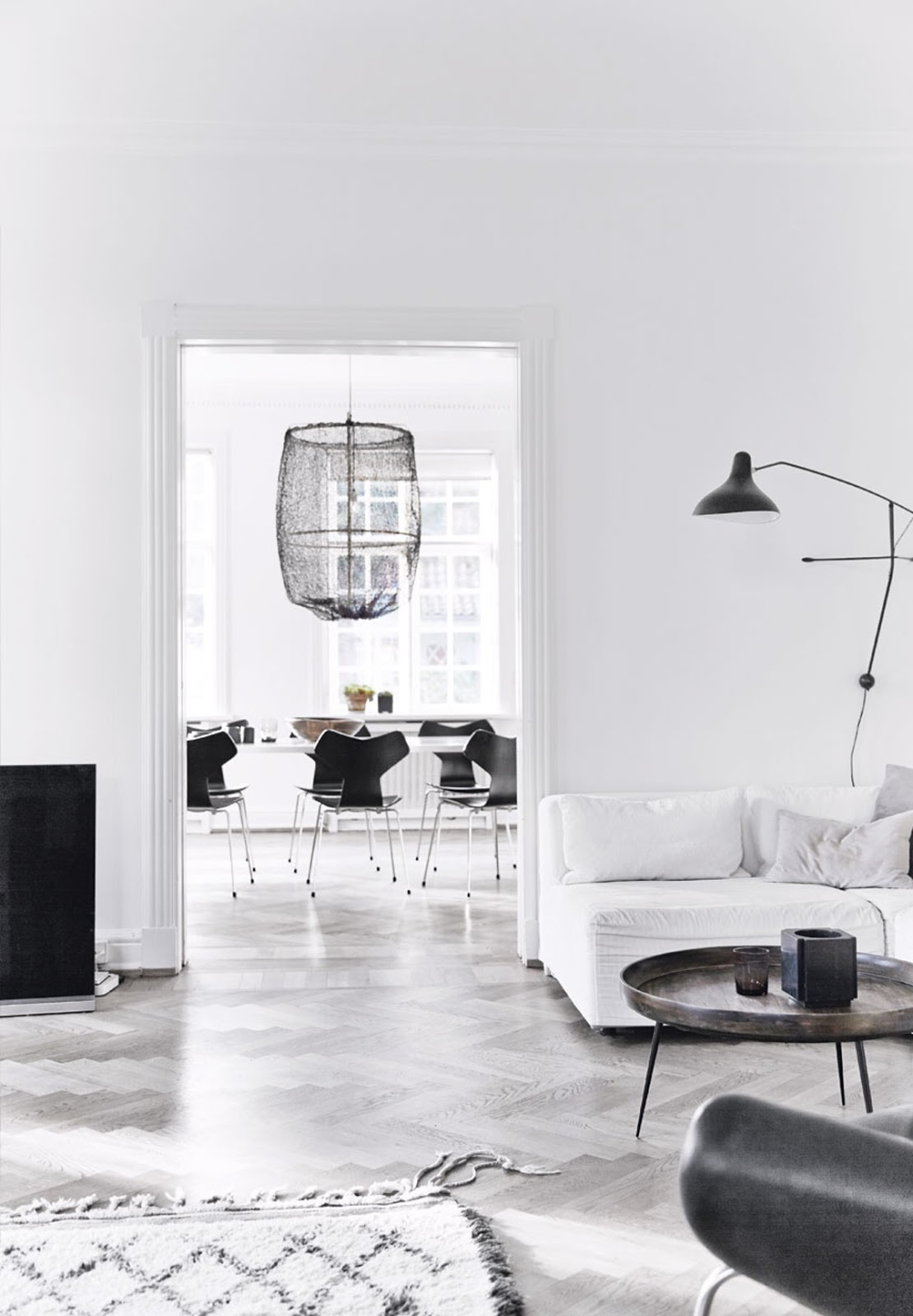 Decordemon: hanne berzant's stylish villa in denmark
