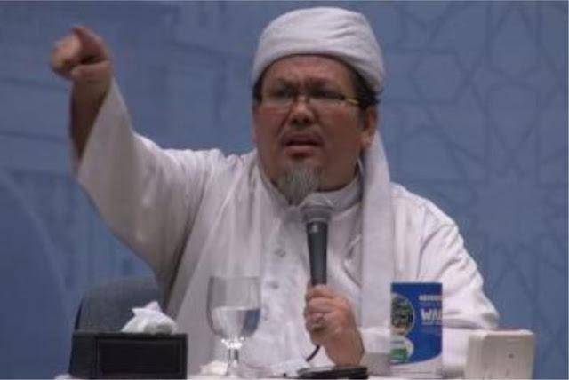 """Tulisan Menggetarkan Ustadz Tengku Untuk """"Ulama Penakut"""" Bicara Politik Islam"""