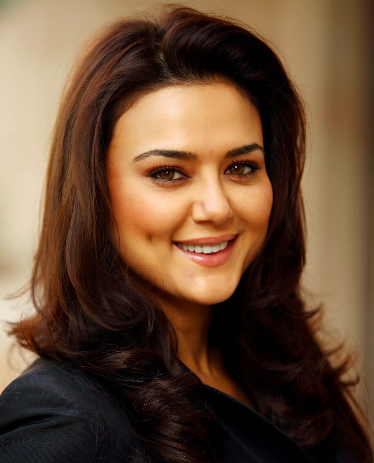 Hd Wallpaper Of Beautiful Indian Girl Preity Zinta Hd Wallpapers Free Download Bollywood Hd