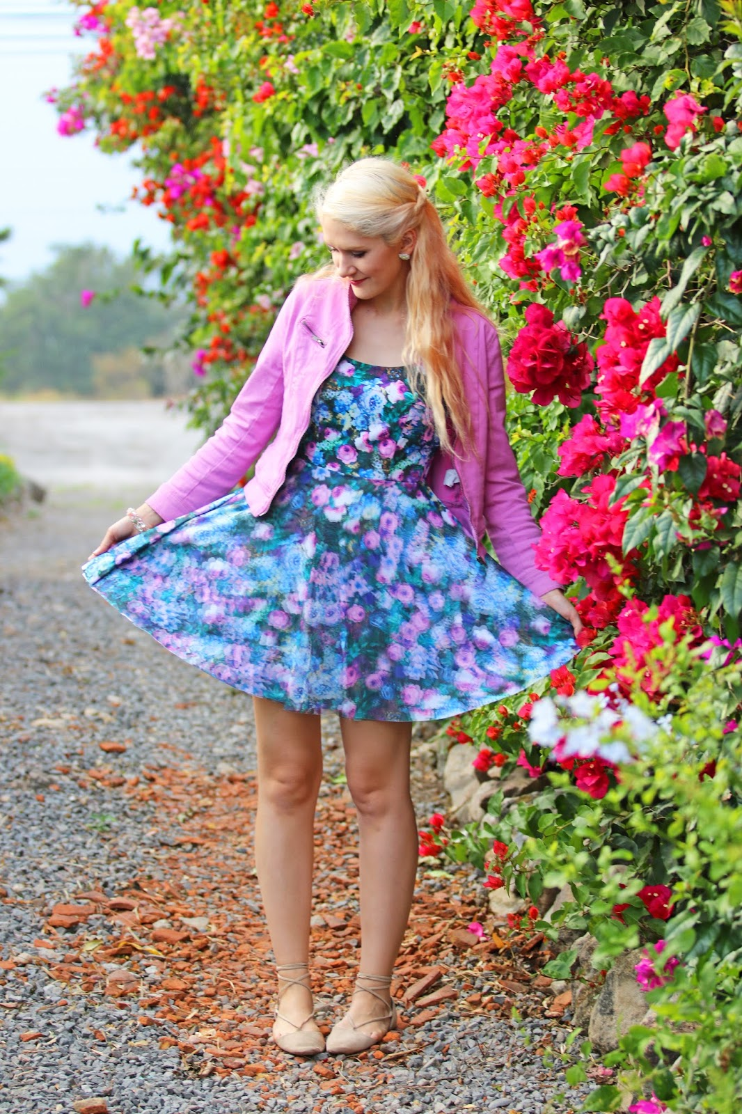 Pretty floral dress outfit