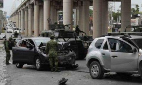 Vídeos Codigo Rojo en Reynosa enfrentamientos entre Fuerzas Federales y Sicarios del CDG helicóptero artillado sobrevuela la Zona en busca de El Comandante Toro
