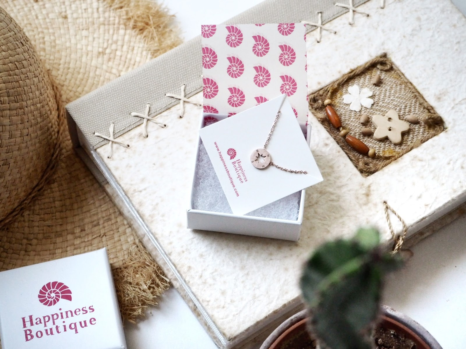 The Compass Necklace | Happiness Boutique