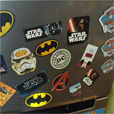 Nevera con imanes realizados con etiquetas: paw patrol, batman, star wars, Disney, dc cómics, Harry Potter...