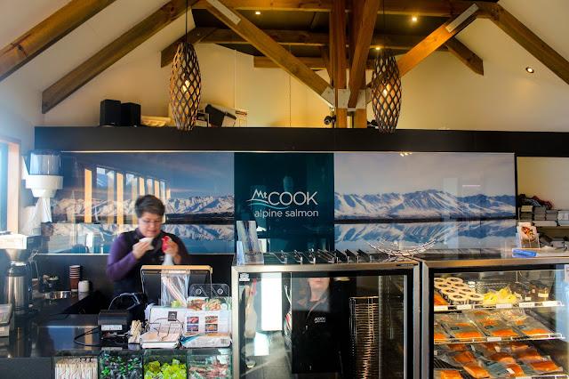Mt Cook Alpine Salmon @ Lake Pukaki, Canterbury, New Zealand 新西兰 坎特伯雷 普卡基湖 库克山三文鱼养殖场 生鱼片
