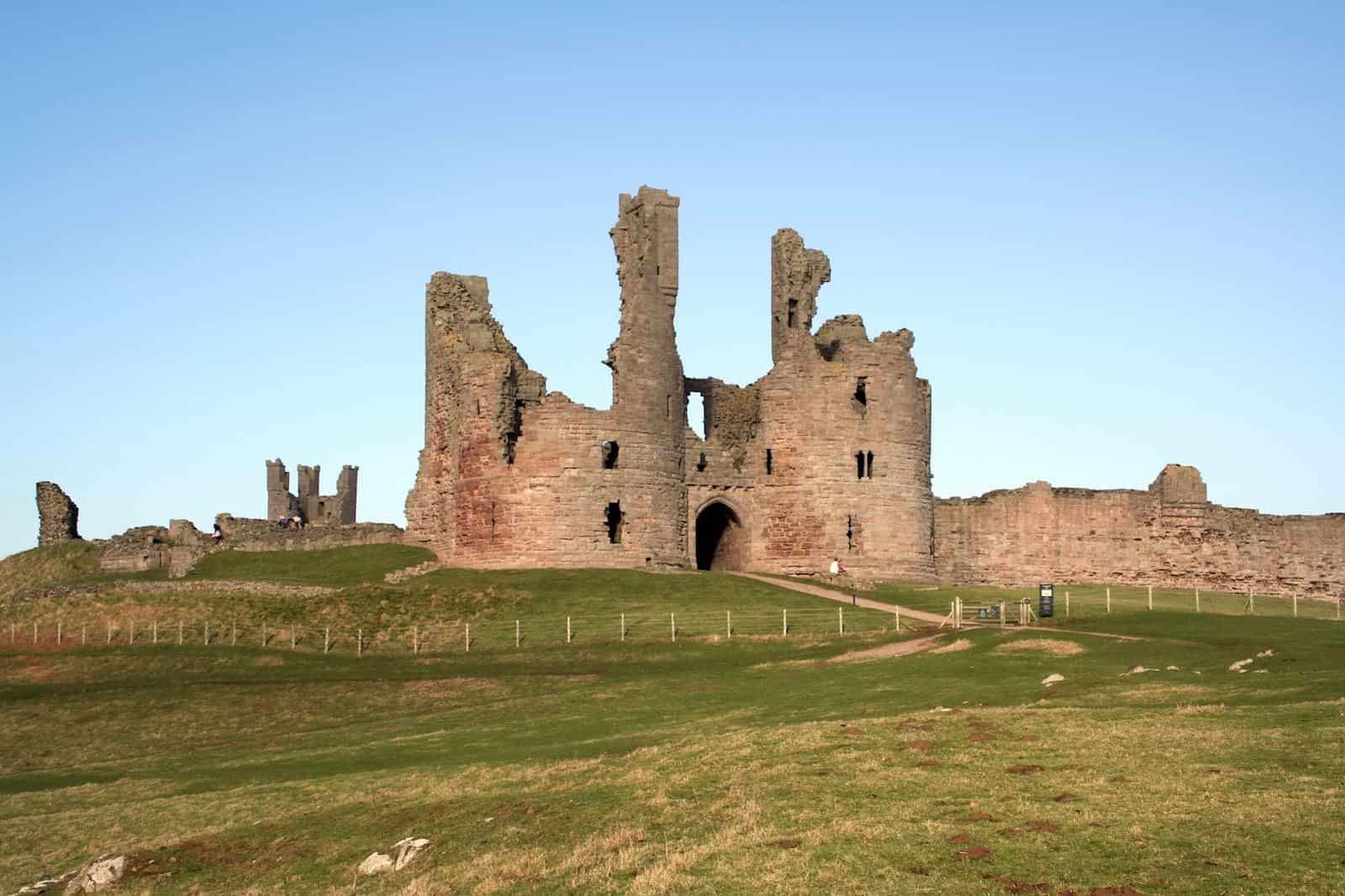 #907 El Castillo de Dunstanburgh | luisbermejo.com | podcast