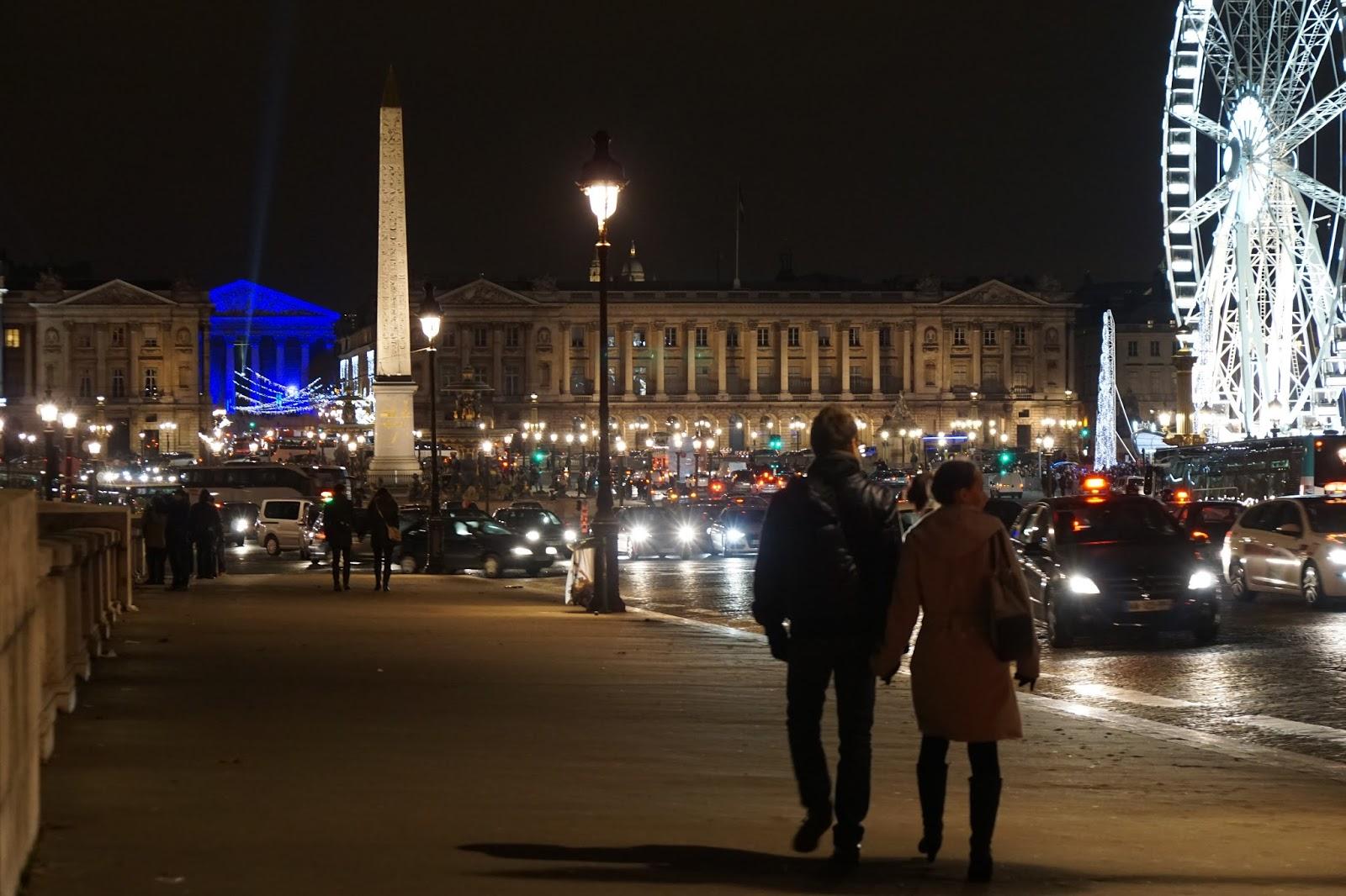 コンコルド橋(Pont de la Concorde)から  コンコルド広場(Place de la Concorde)を眺める