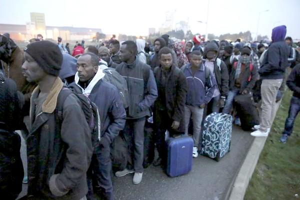 calais jungle refugees