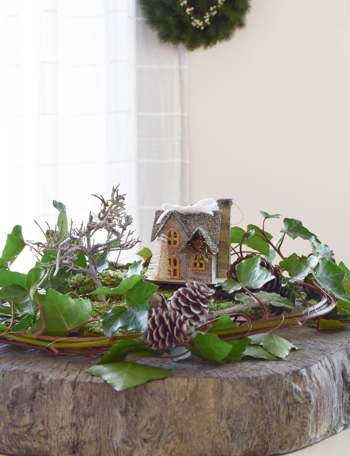 Tischdeko, Dekoidee für den Tisch und Konsole mit Natur, Hirsch, Efeu. Moos. Schale, Dekoidee, Winnter Herbst, Deko, Dekoration, DIY