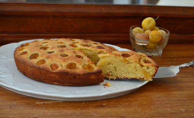 Gâteau moelleux aux amandes et aux mirabelles