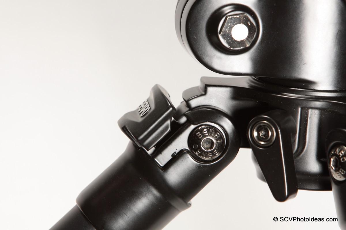 Benro A-298EX leg angle lock detail