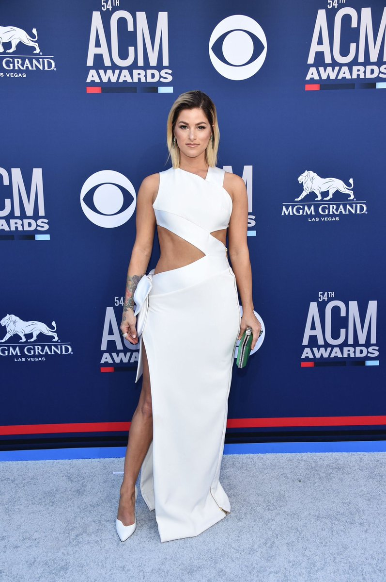 Cassadee Pope goes backless for the 2019 ACM Awards in Las