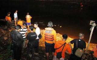Di Duga Tak Bisa Renang, Adam Tenggelam Di Sungai Trangkil.