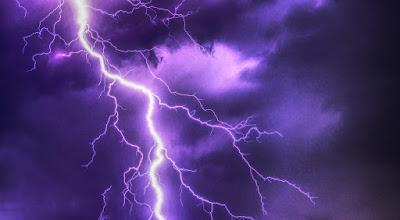 flash lightning on a bus
