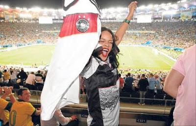 Rihanna Oezil - Arsenal