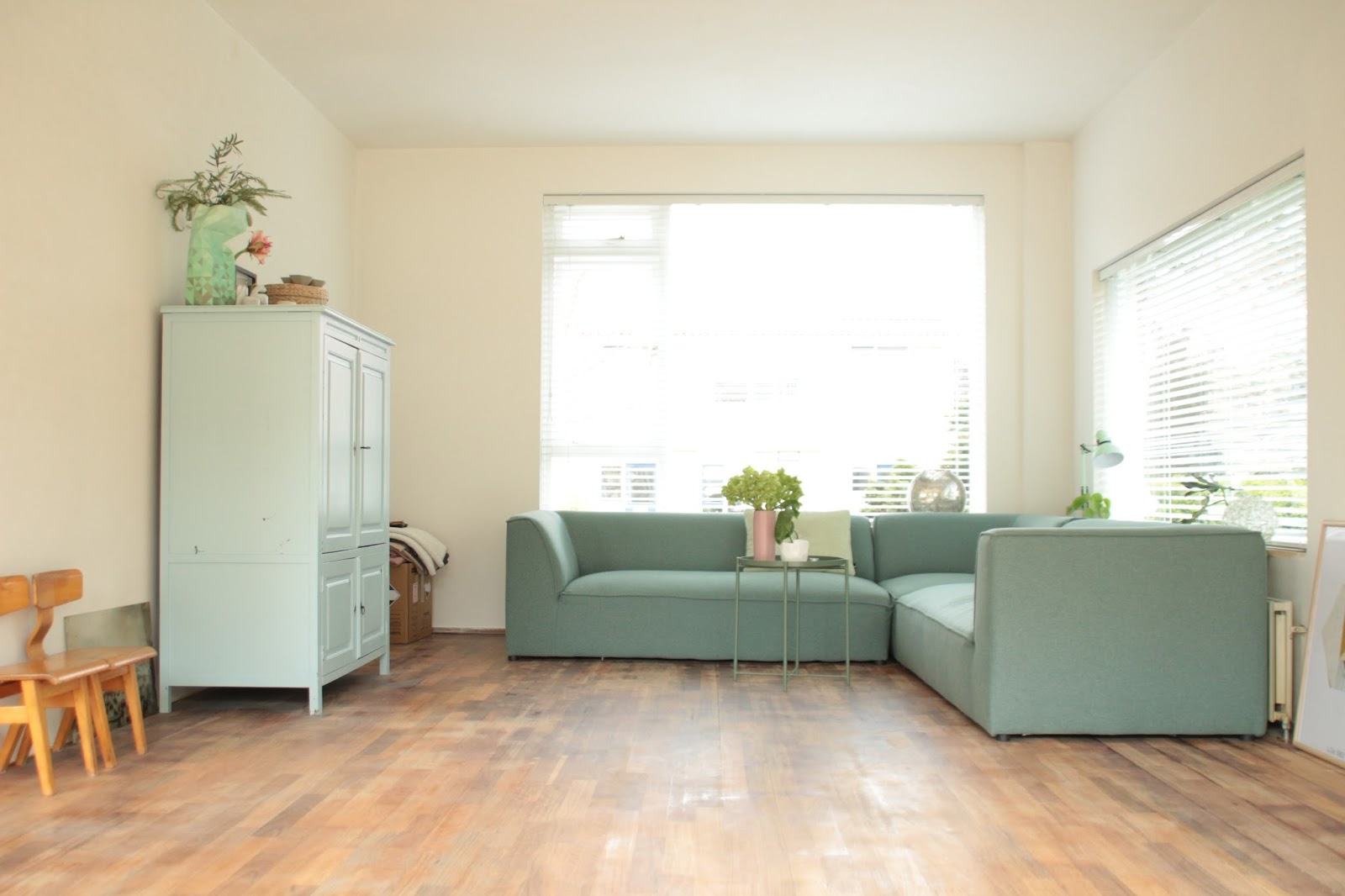 Houten vloer grijs schilderen annie sloan chalkpaint nederlands