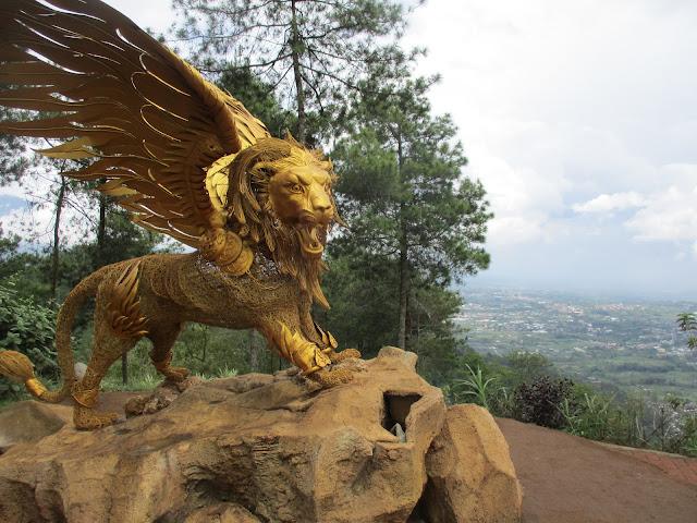 Taman Langit - Salika Travel - Paket Tour Malang Batu Bromo Periode Ramadhan 2018