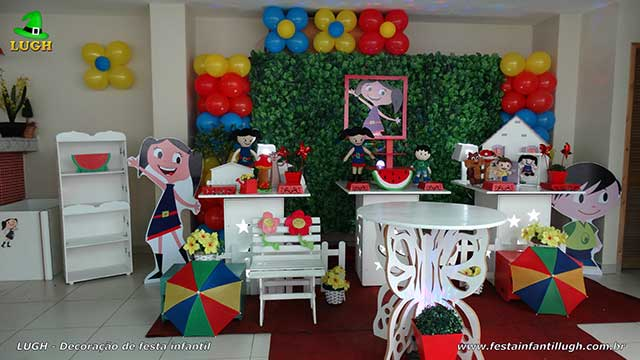 Decoração de aniversário Show da Luna - Provençal simples com muro inglês