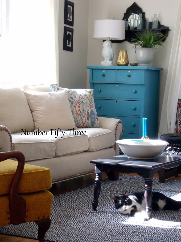 Number Fifty-Three: Mixing Vintage W/ New: Living Room Tour