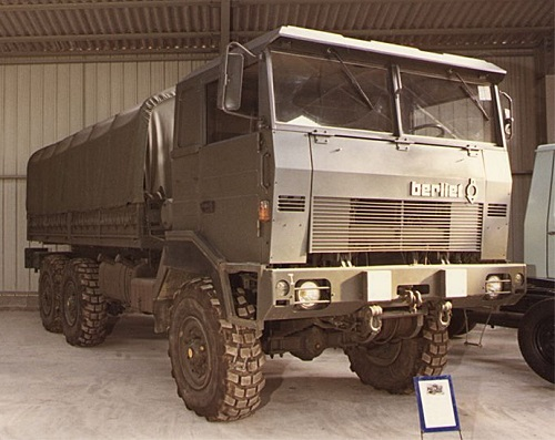 N°21- Berliet GBD 4X4 Camion tactique Militaire 1974 BERLIET%2B-%2BCAMION%2BGBD%2B6X6%2B-%2B1973