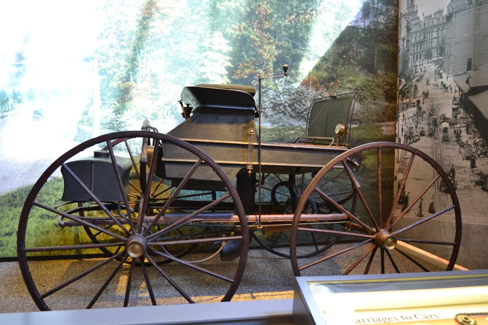 Roper 1865 года -  самый старый американский автомобиль доживший до наших дней. Музей Генри Форда. Дирборн, Мичиган (Henry Ford Museum, Dearborn, MI)