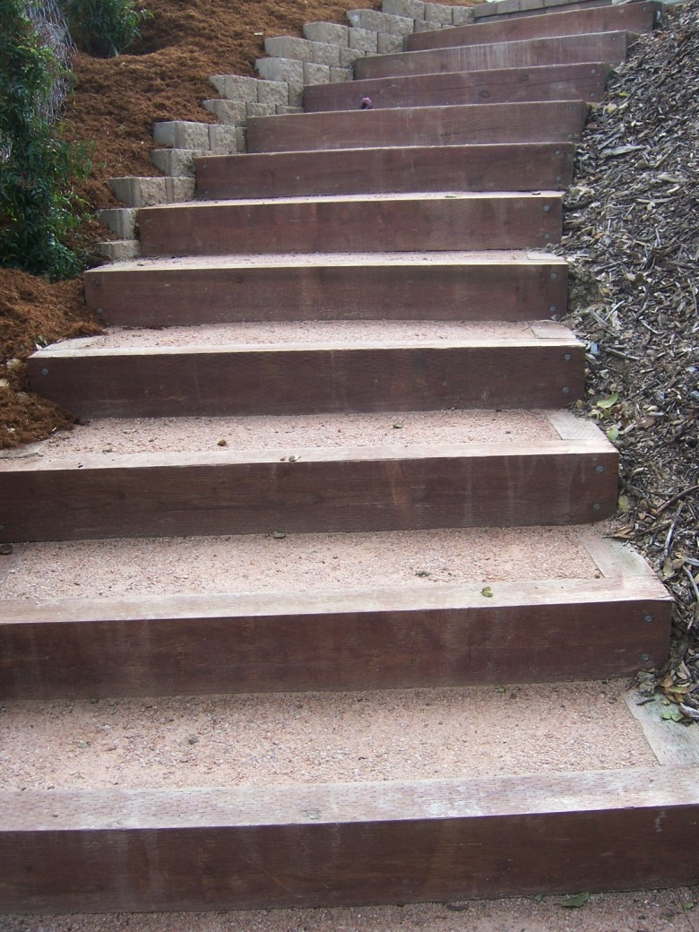The 2 Minute Gardener Photo   Landscape Timber Stairs
