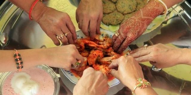 Ini Alasan Sabda Nabi Kenapa Makan Harus Mulai Dari Pinggir Piring