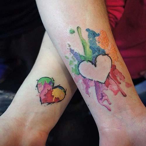 çift dövmesi renkli kalp couple tattoo watercolor heart