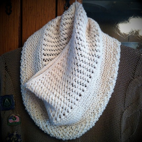 Charming Cowl - Free Pattern