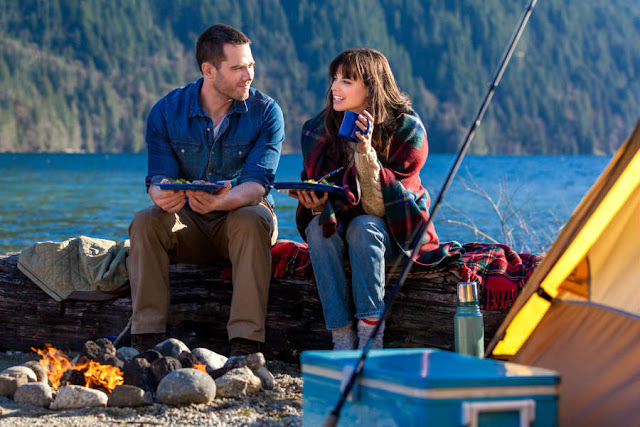 'The Memory Book': Two Love Stories Collide. A review of the 2014 Hallmark Movie original with Meghan Ory (Chesapeake Shores). Text © Rissi JC