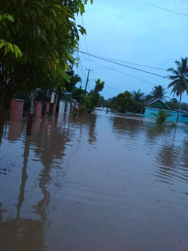 Bengkulu Banjir dan Longsor, Ayo Ulurkan Tangan!