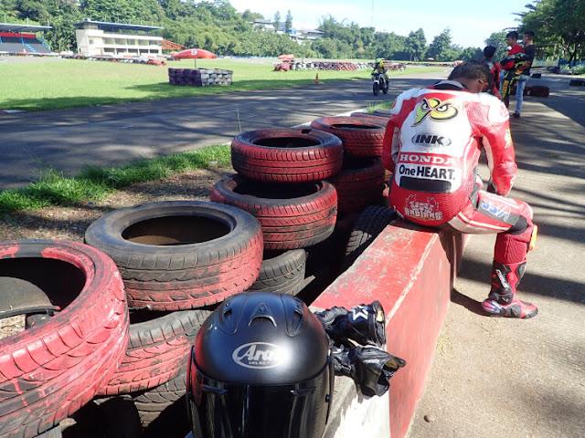harga perlengkapan balap motor