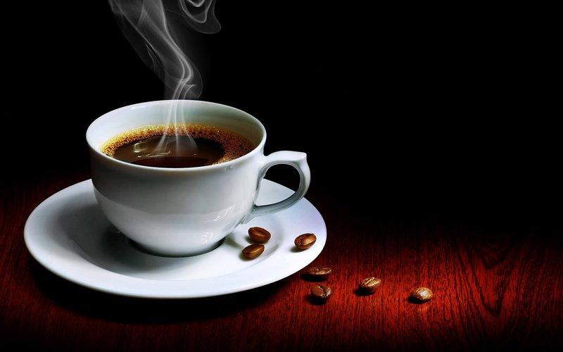 Novo estudo confirma que beber café reduz o risco de mortes de diversas causas