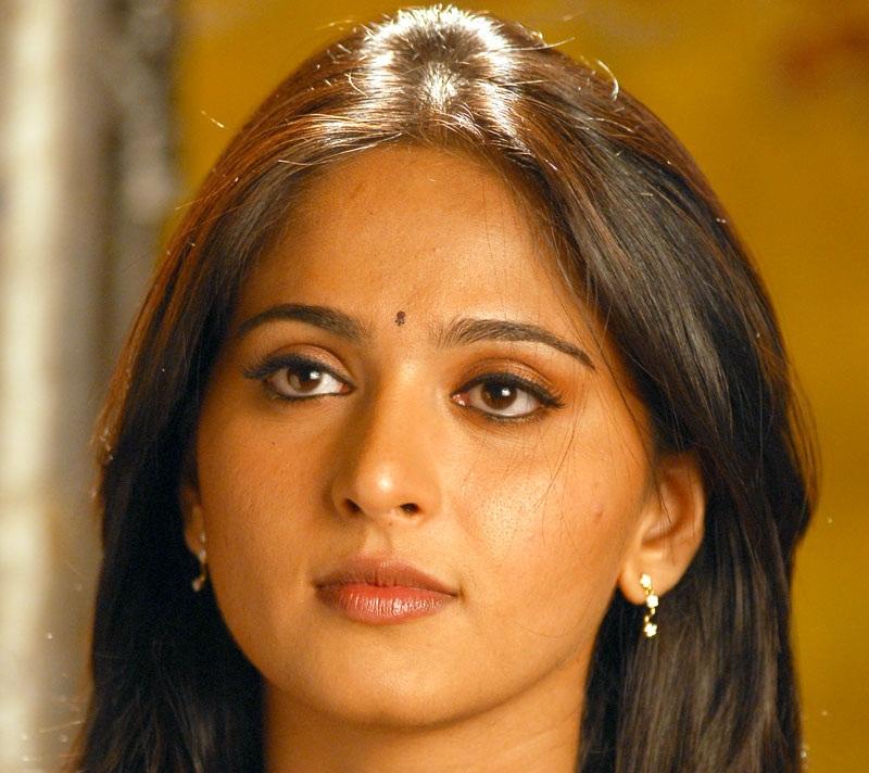 Anushka Shetty Closeup Photos In Yellow Dress
