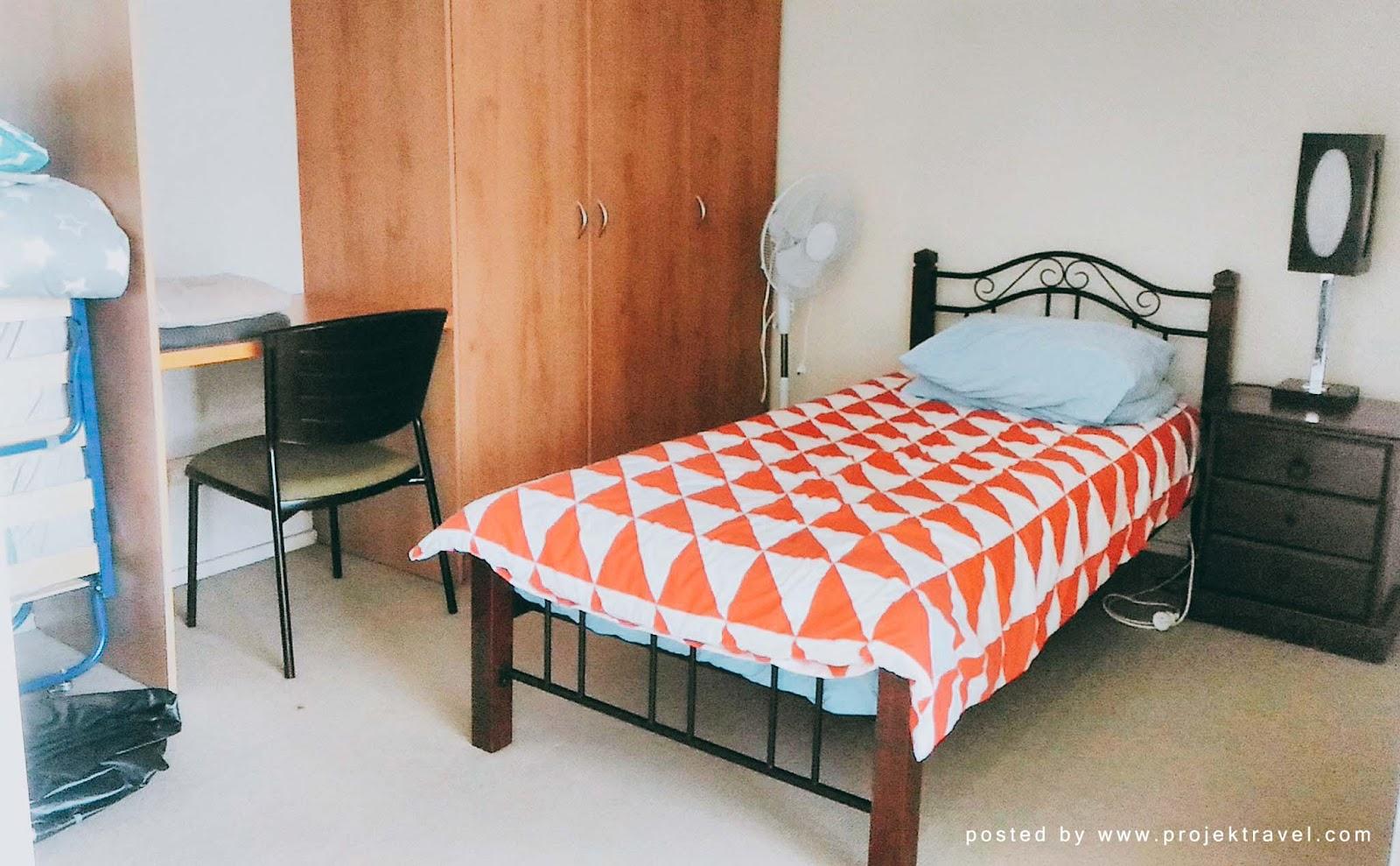 Bilik Ke Dua Yang Dilengkapi Katil Single Dengan Tambahan Mudah Alih Dan Inflatable Bed Atas Permintaan