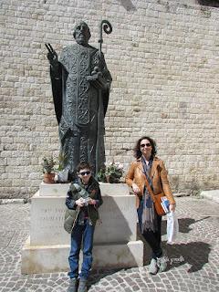 Estatua de San Nicolás