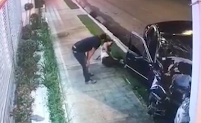 Video: Carro se estrella contra un poste en SFM