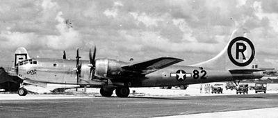 enola gay pesawat yang membawa bom atom ke hiroshima dan nagasaki