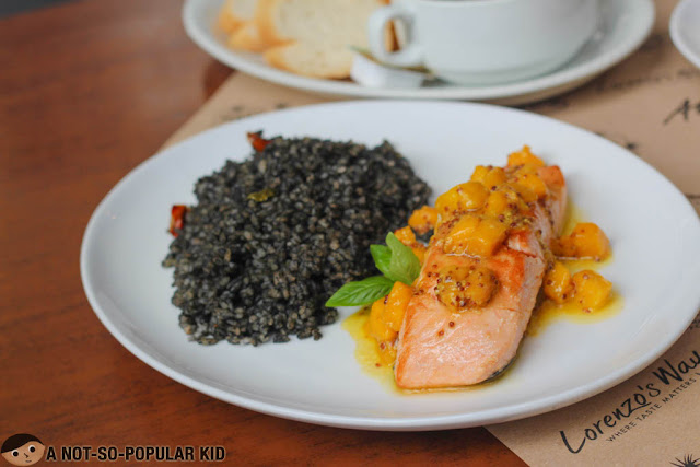 Caribbean Style Salmon with Mango Mambo Salsa of Cafe Havana