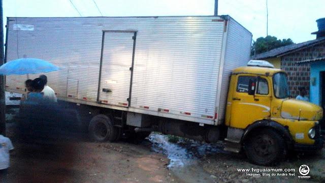 Foi por pouco: Caminhoneiro perde o controle e quase causa acidente em Tejucupapo.