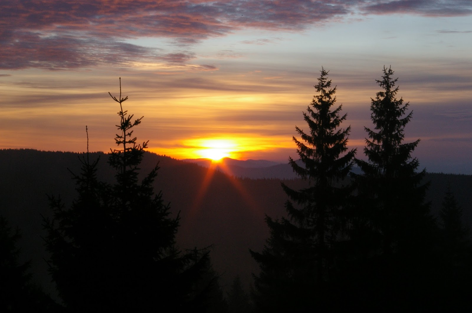 Gorce wschód słońca