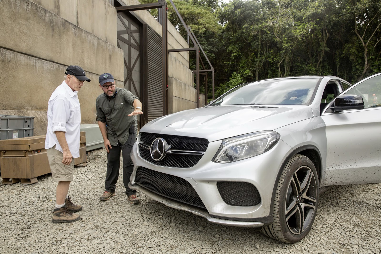 mercedes teases new gle 63 amg coupe confirms jurassic park movie appearance. Black Bedroom Furniture Sets. Home Design Ideas