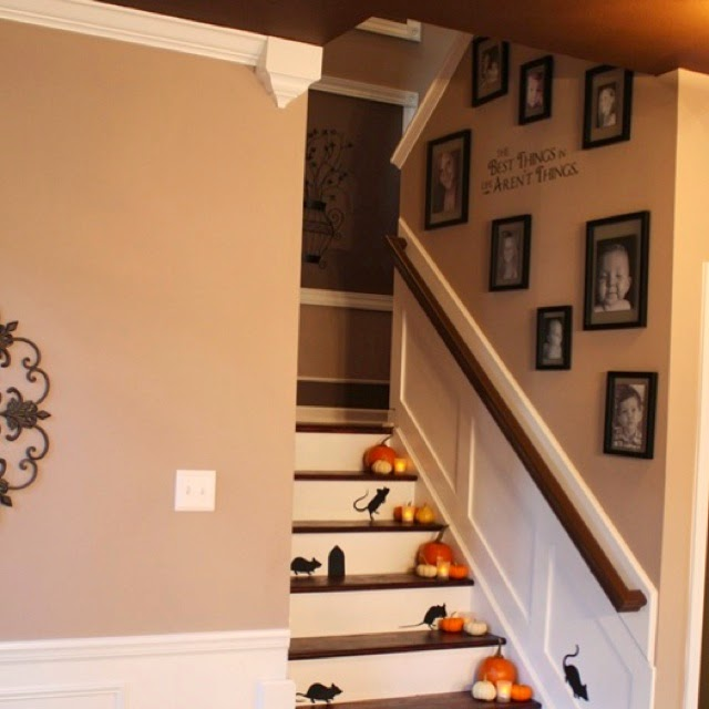50 Creative Staircase Wall decorating ideas, art frames ... on Creative Staircase Wall Decorating Ideas  id=39941