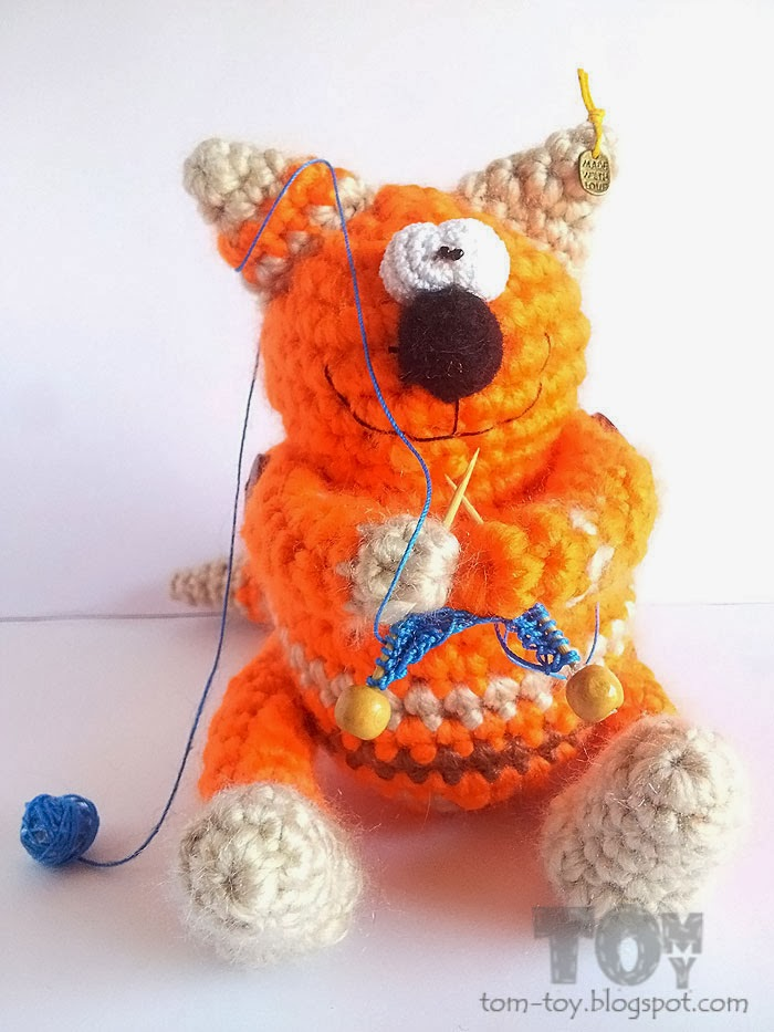 Crochet crafty fat cat