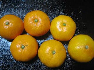濃いオレンジ色の美味しい三ヶ日みかん