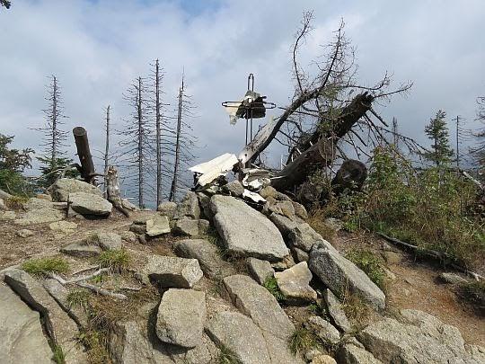 Miejsce katastrofy samolotu sanitarnego L-200 Morava.