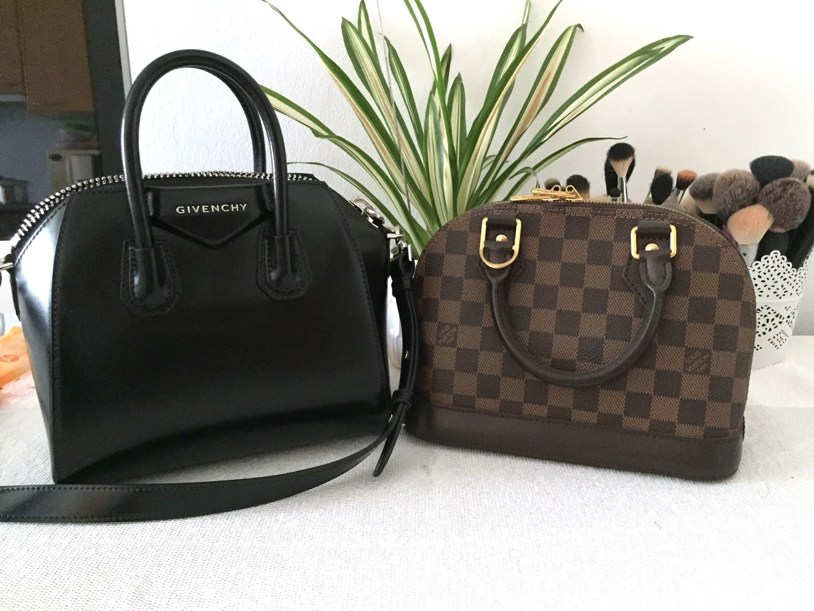 a7a61d29d4 I've been a fan of the Givenchy Antigona bag for years, I've tried it  several times but the small size doesn't work out for me.