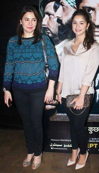 Sara Tendulkar with mother Anjali Tendulkar