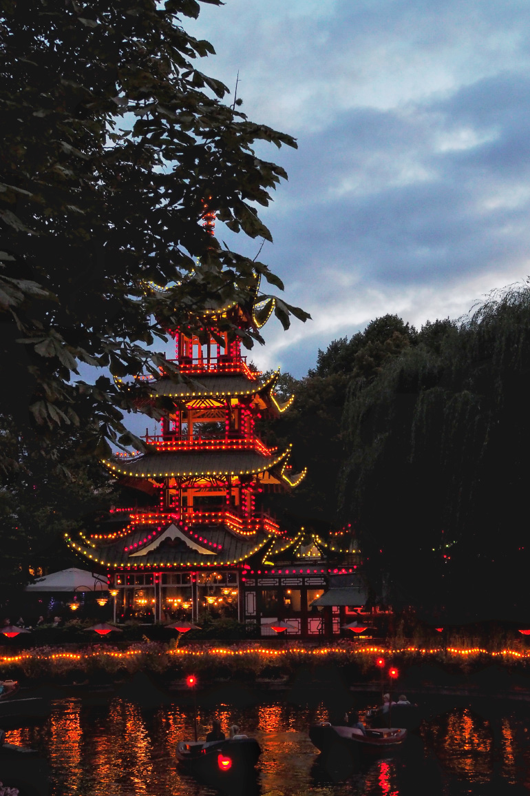 Les jardins de Tivoli, parc d'attraction de Copenhague