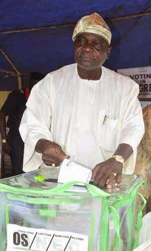 Prince Olagunsoye Oyinlola at court 1,unit 008 in Okuku during election in Osun state.